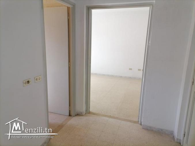 Un appartement s+1 situé à route Kaied Mhamed km 1