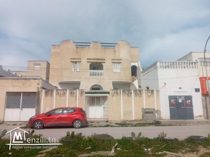 Une belle villa à vendre à El Mourouj 2