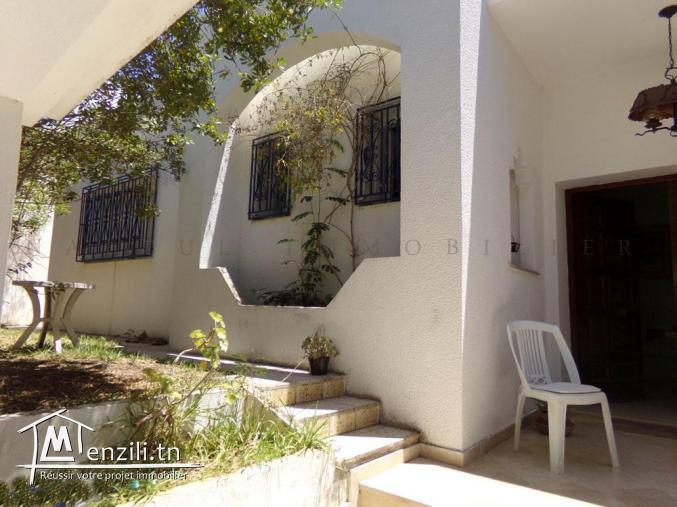 Villa de plein pieds avec jardin