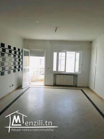 A Vendre   coquet appartement S+3