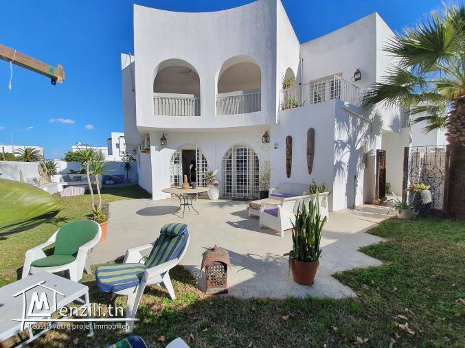 Villa de 300m² sur un terrain de 397m² à jinene Hammamet