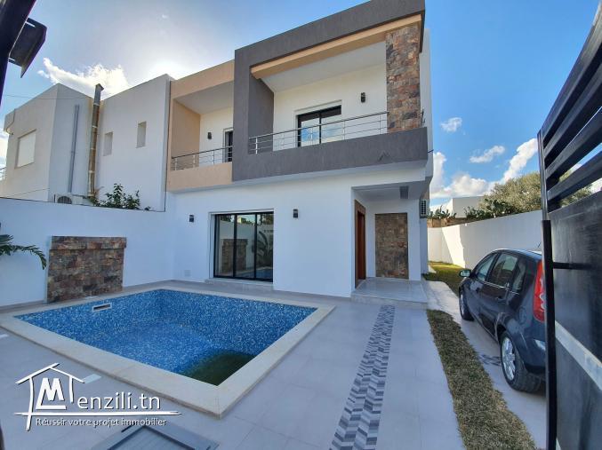 Villa de 205m² sur un terrain de 229m² à hammamet Centre