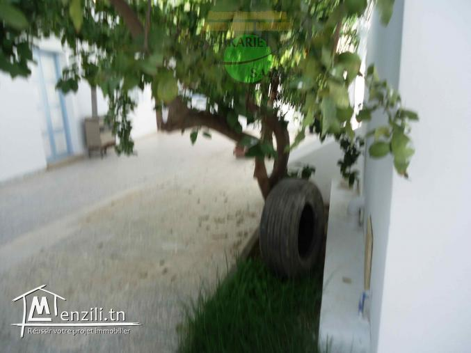 une superbe villa Style Américain Située au cœur de khezama EST