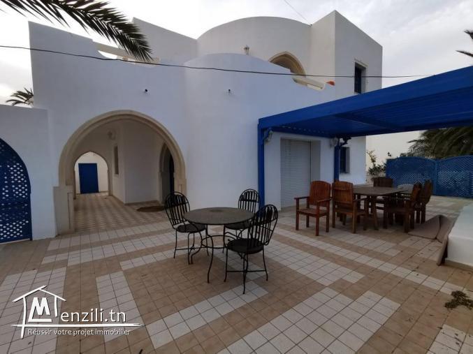 villa avec piscine L325