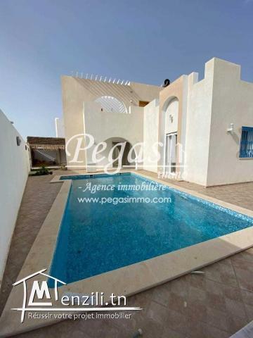 Une Villa Meublée S+4 Avec Piscine À Aghir Djerba A Louer .