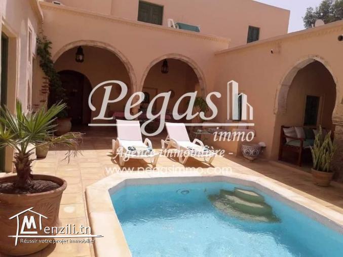 A Louer, Une Maison S+4 D'un Style Traditionnel À Djerba-Erriadh