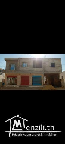 A vendre lots local commercial plus appartements centre ville Zarzis