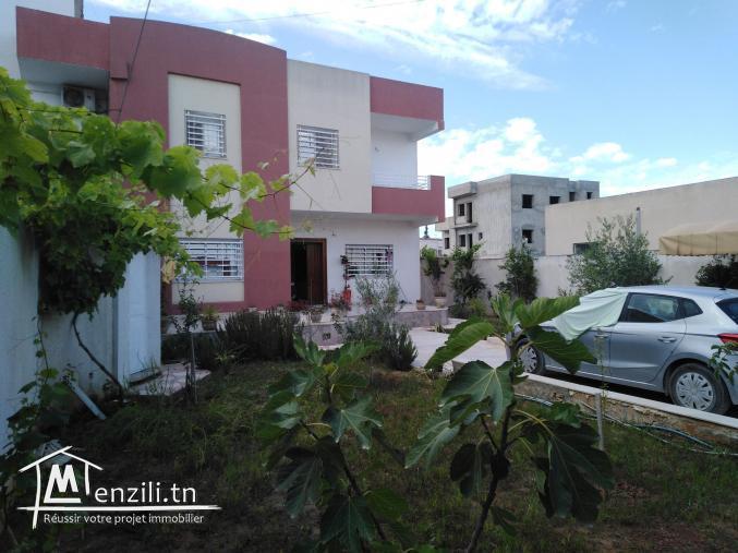 A vendre villa El ghazella face Ariana Essoghra  RDC+1étage2apparts S+2ch+1studio