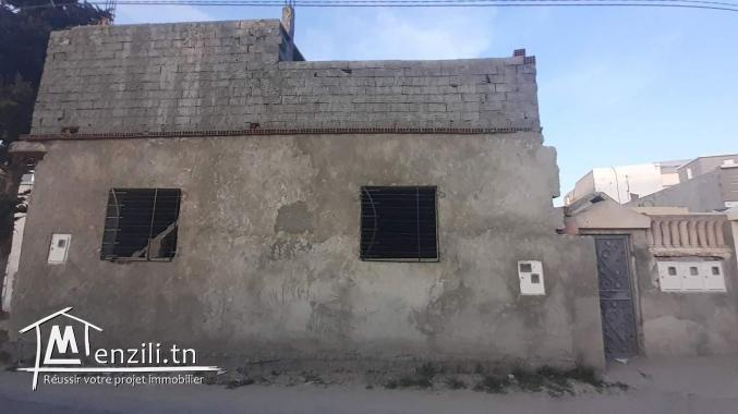 Maison inachevée a vendre -RADES-
