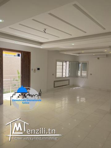 Met en location une luxueuse villa Rdc  S+2  tout neuf situe à Khezama
