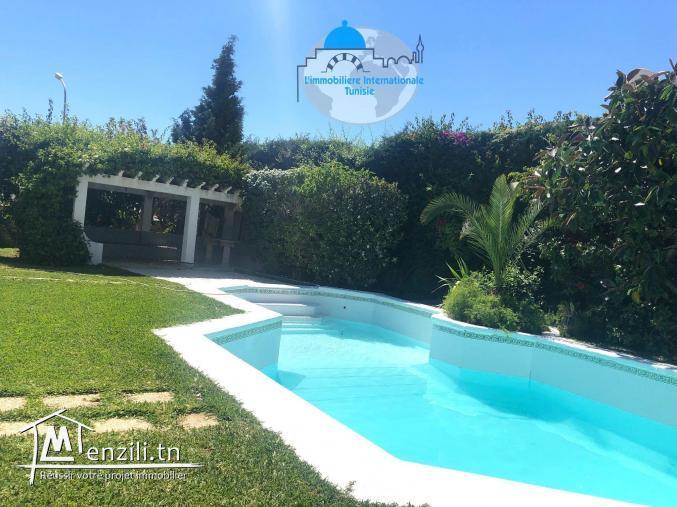 une belle villa avec piscine dédiée à la location estivale à kantaoui
