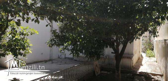A vendre maison à démolir  Mohamed 5 belvédère Tunis.