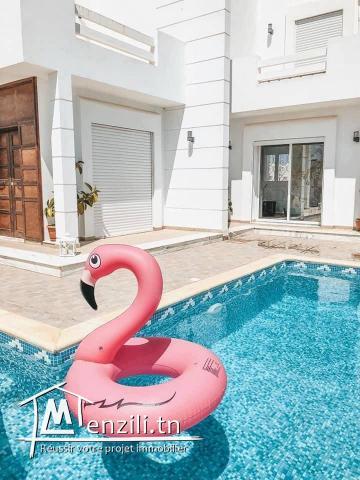 Maison 0125 avec piscine à 07 min de la plage, proche des commodités