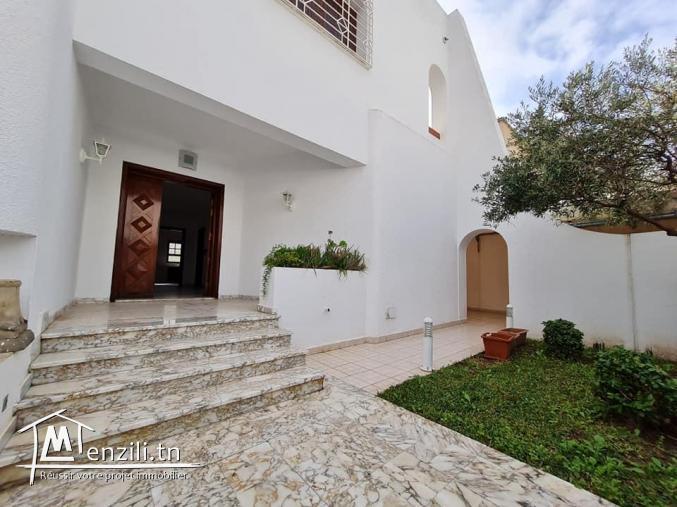 A Vendre Villa à Ennasr 1