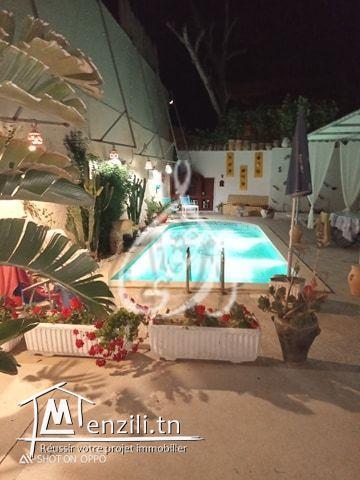 Villa en S+4 avec piscine pour la location estivale à Hammamet