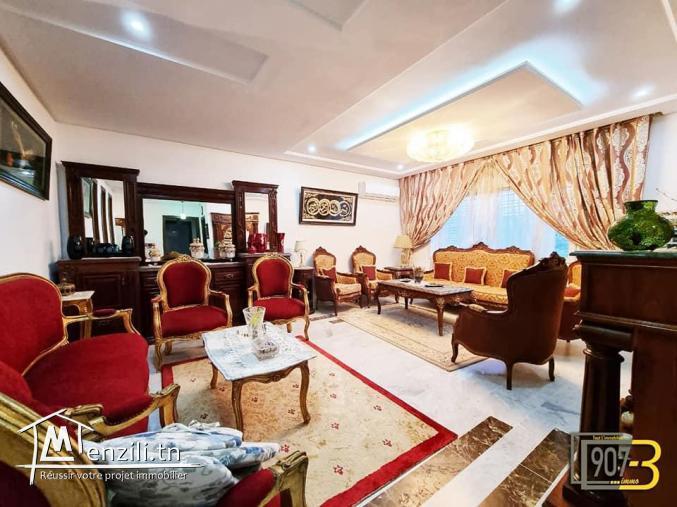 A vendre un luxueux duplex à Cité Ennasr