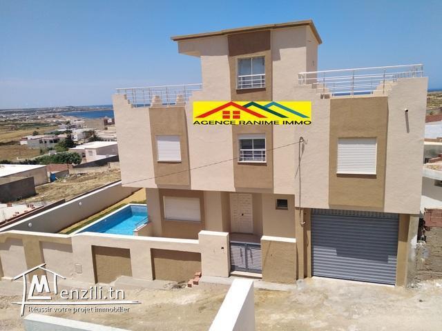 Charmante villa bâti en trois niveaux el haouaria
