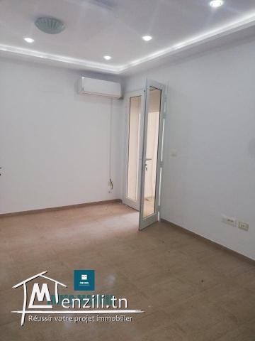un appartement haut standing vide  en S+3  situé à Zwila  de Mahdia