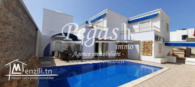 A Louer, Une Charmante Villa avec piscine À Djerba-La Zone Touristique