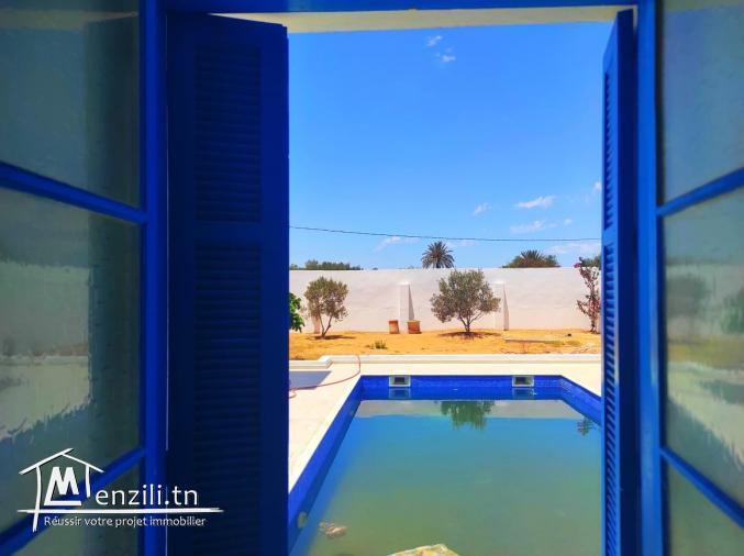 Maison 03 chambres avec piscine ,proche de la mer