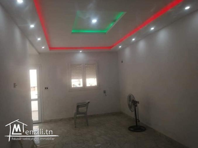 A louer bel étage de maison à Fouchana cité Wifak