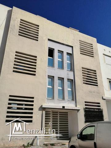 A vendre bel appartement 1ér étage résidence Orjouwane 1 à Fouchana