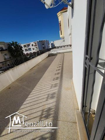 A louer un appartement S+3 haut standing avec terrasse à l'aouina