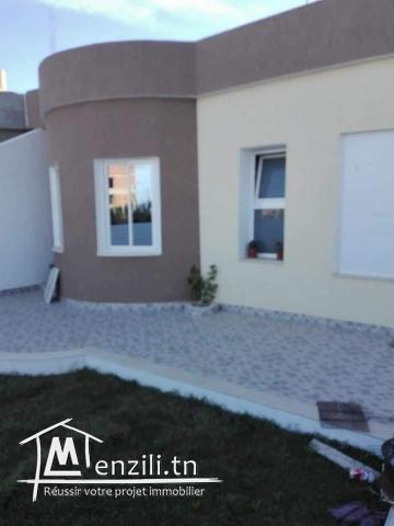 a vendre belle villa Meublé  200m distance a la plage