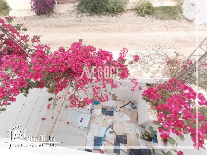 maison s+3 avec s+1 avec garage et jardin à Sidi Hammed