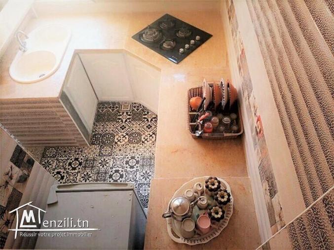 Maison meublée à louer se trouve à 1 minutes à pied du mer à El Manakaa, Salkta