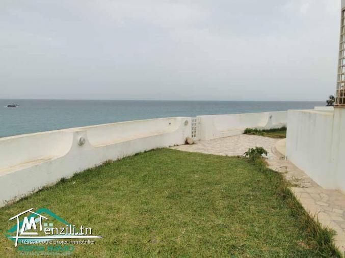 Maison S+4 pieds dans l'eau à plage Fatha kelibia