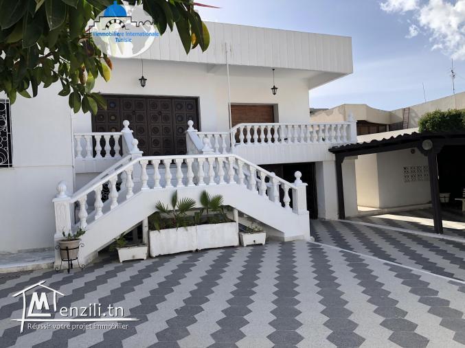 vente une Magnifique Villa  à Bouhsina Coté Aziza Sousse.