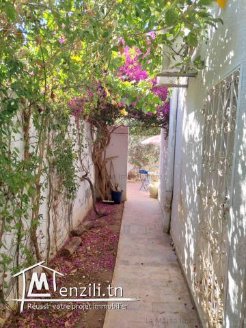 A Louer rdc s3 meublé avec jardin à La Marsa