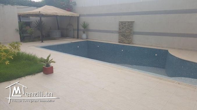 A Louer rdc s3 meublé avec piscine à La Marsa