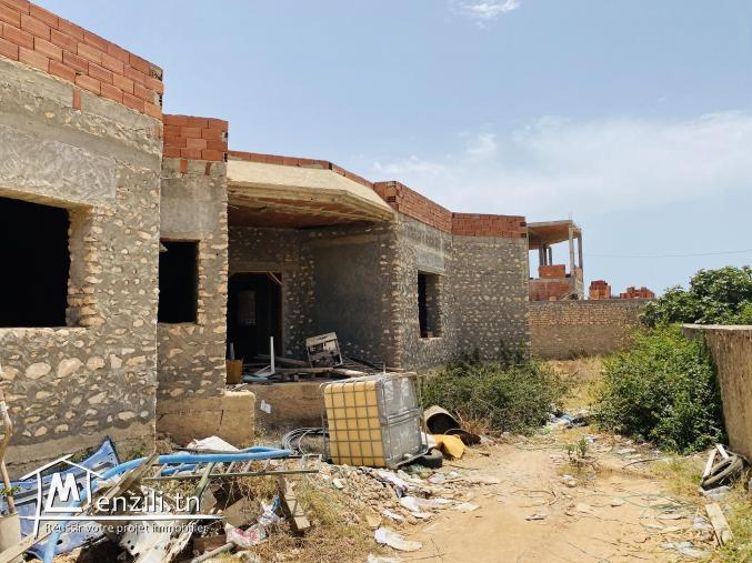 Une belle villa inachevée a Sfax route gremda , Markez Ayadi a vendre