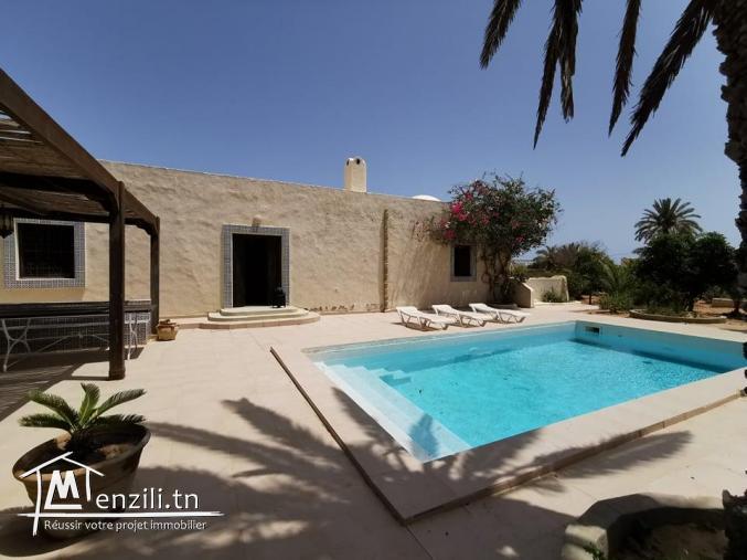villa avec piscine L334