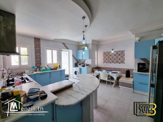 une grande villa a louer a el menzah 9