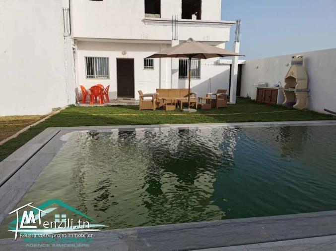 Maison S+2 avec piscine à Dar Allouch