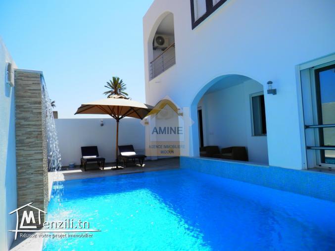 A vendre villa neuve 5 pièces avec piscine et garage à Djerba