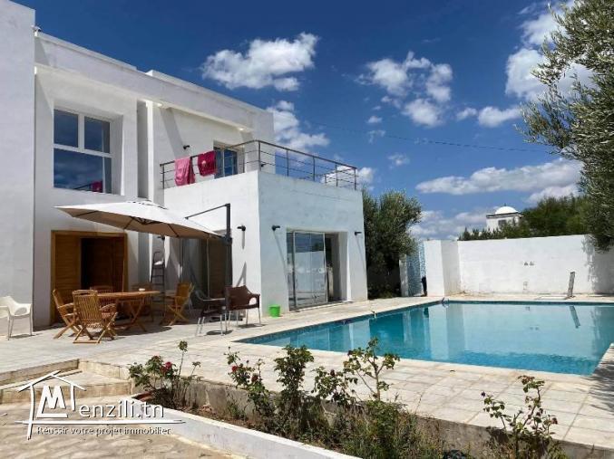 Villa MIRNA(Réf: L2090)