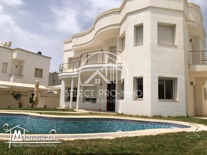 Villa avec piscine à Beni Khiar. Réf327a