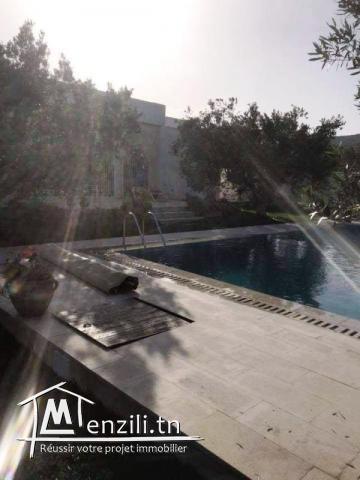 L122 Villa CHATEAUX