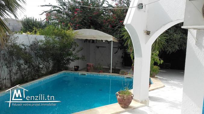 VILLA DE MAîTRE 500m2 avec piscine; 8 piéces
