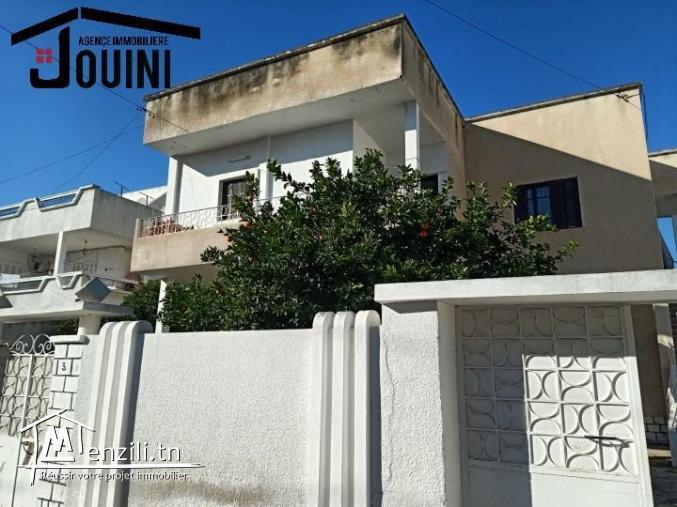 Villa sur 2 Niveaux sur 813 m2 A Bardo