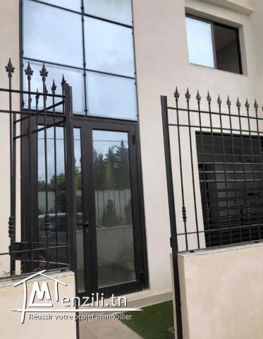 A Vendre Duplex Rue Ibn Neji Soukra