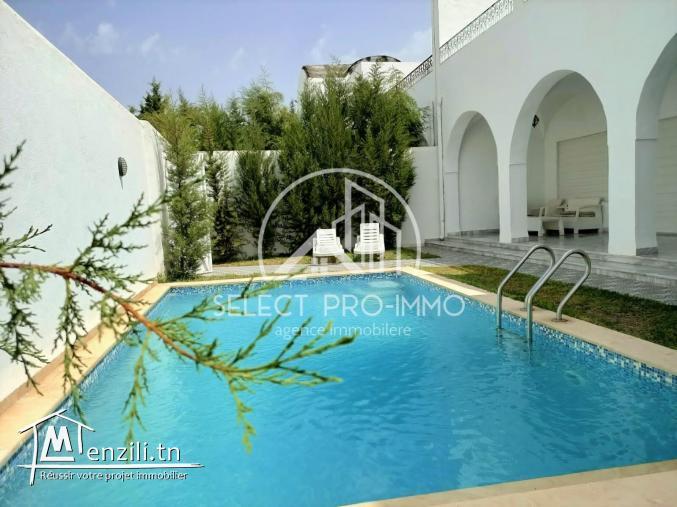 Villa à louer pour les vacances REF:392a