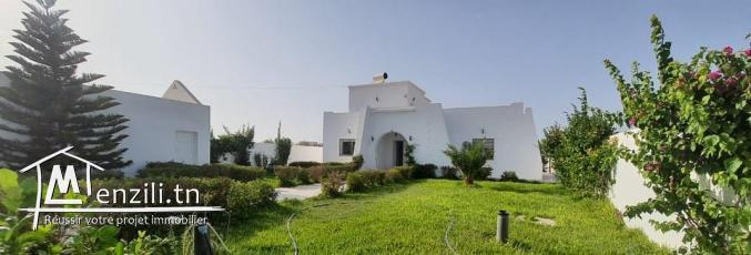 Pour location annuelle villa à mahboubine