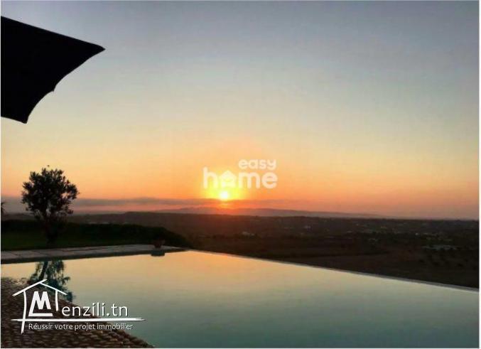 Maison de campagne S+3 de 237m² sur un terrain de 500m² à Hammamet Sud
