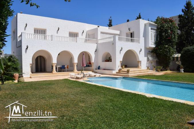 Villa meublée s+5 de 250m² sur un terrain à Hammamet Centre