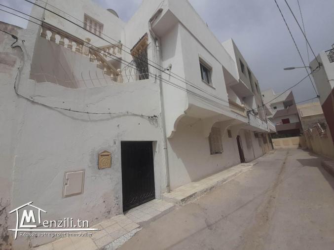 Maison sur 2 niveaux à BOHSINA prés de la route principale
